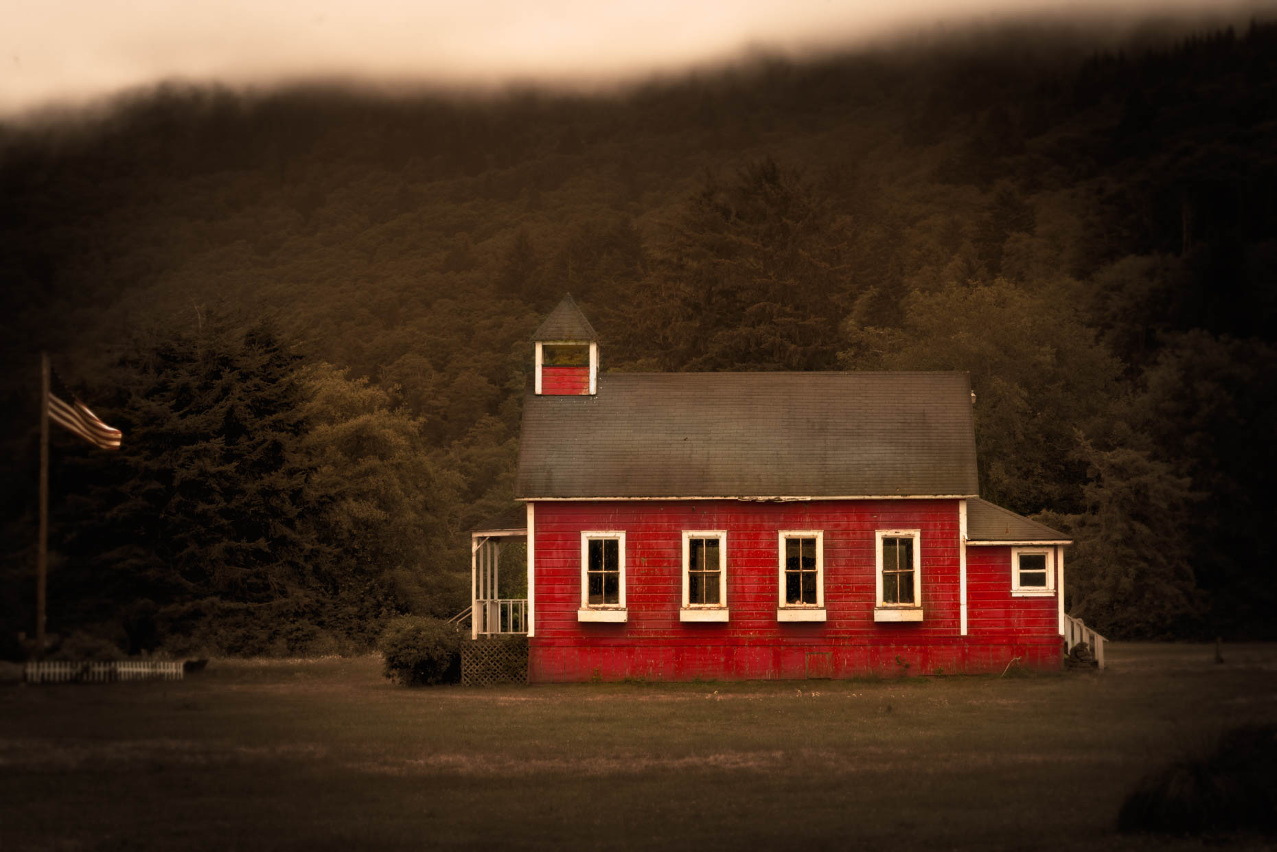 red_schoolhouse